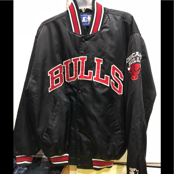 498bf4c16cdf NBA starter vintage bulls varsity jacket. M 5ab341ff2c705dc93e2f5b53